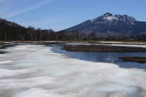 残雪と燧ケ岳